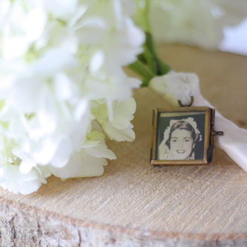 Tiny Photo Frame For Wedding Bouquet