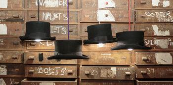 Prince Edward Top Hat Light