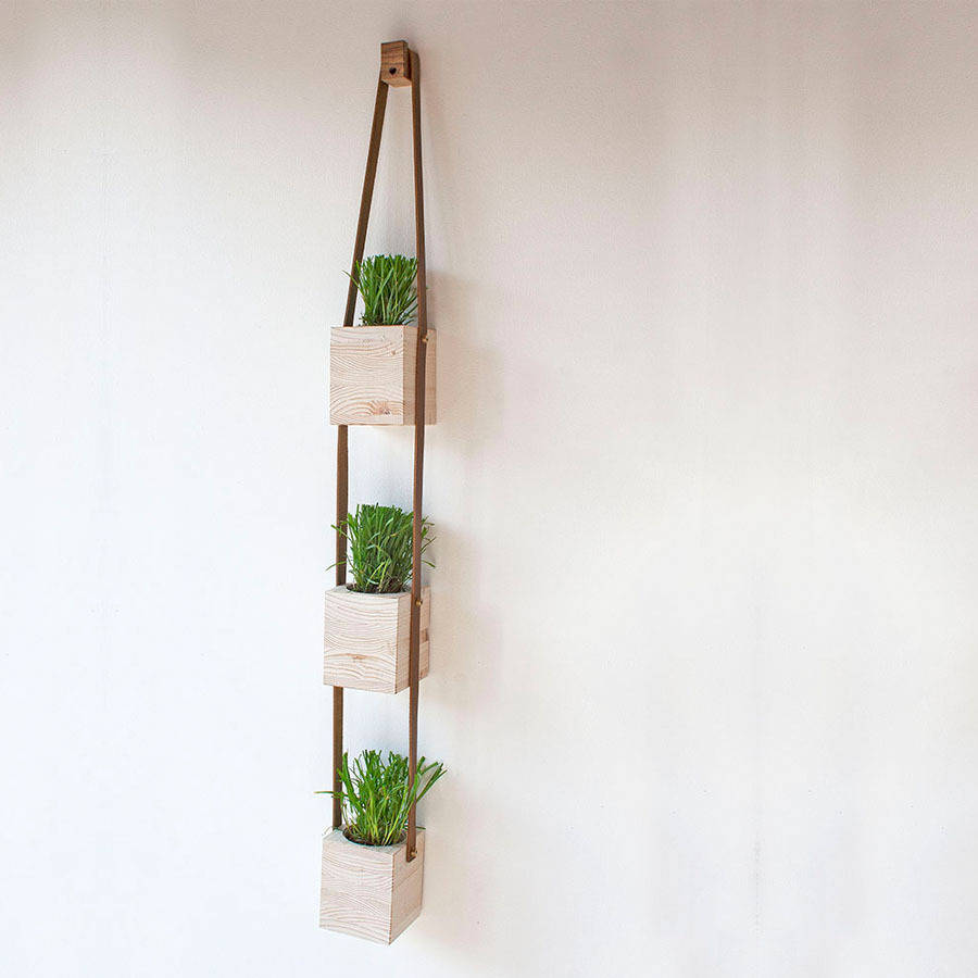 Wooden hanging wall pot planters by factorytwentyone for Wall hanging images