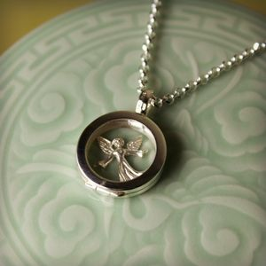 Silver Locket: Ultimate Personal Jewellery