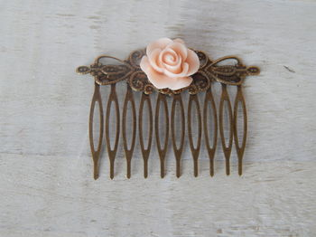 Betsy Hair Comb Single Flower