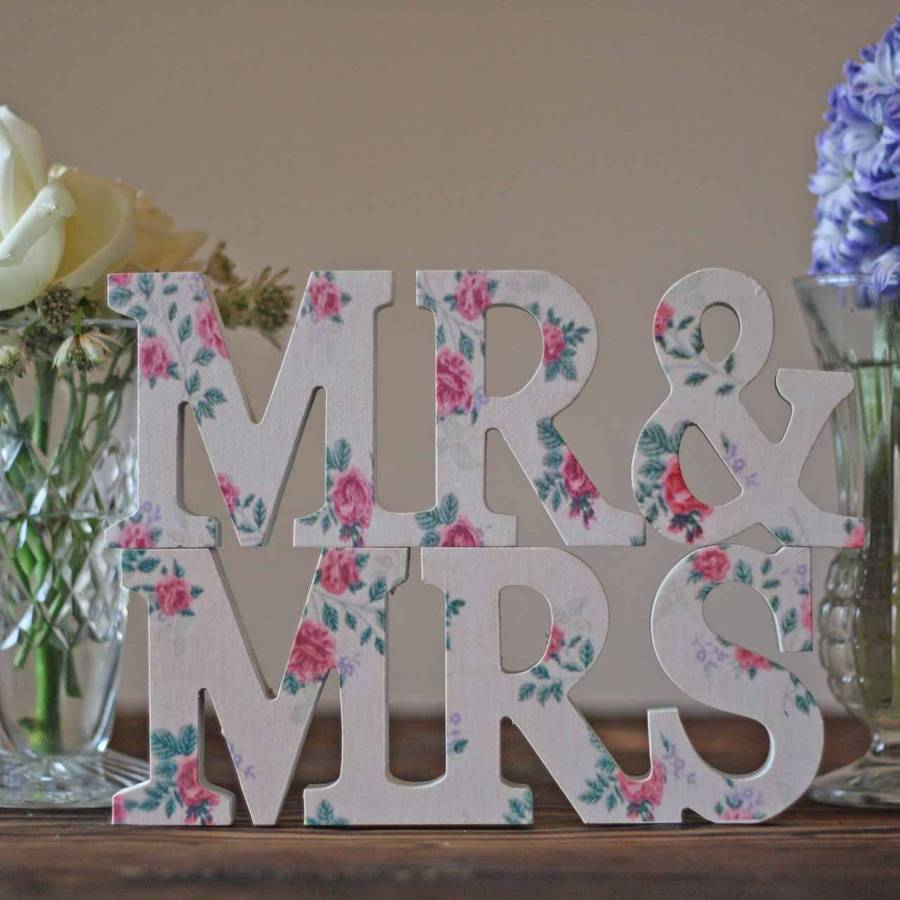 Mr And Mrs Floral Sign
