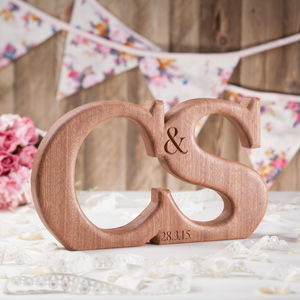 Linked Wooden Letters - 5th anniversary: wood