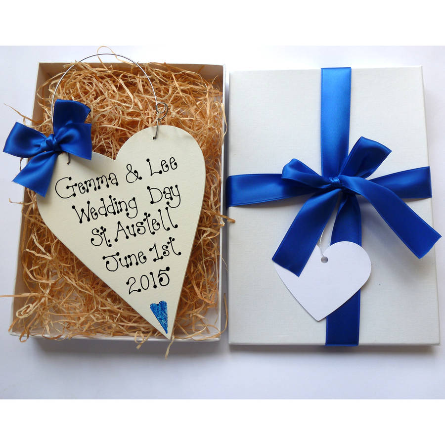 homepage > COUNTRY HEART > PERSONALISED WEDDING HEART GIFT BOX