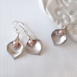Calla Lily Pastel Jewellery Set - earrings