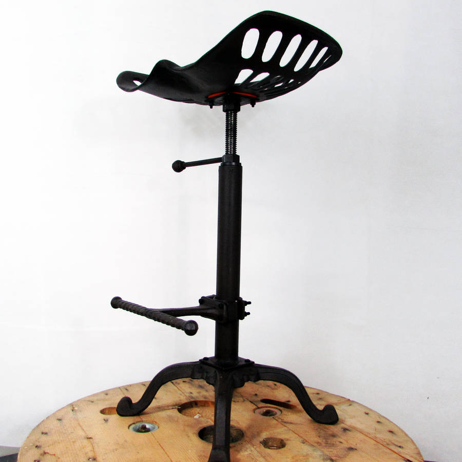 Traditional Tractor Seat Metal Bar Stool