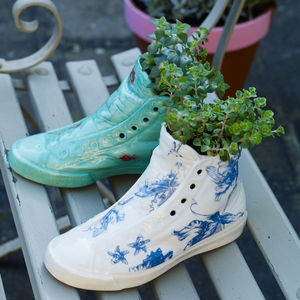 Sneaker Planter - update your garden