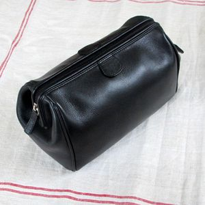 Men's Leather Wash Bag - bathroom