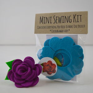 Mini Flower Brooch Sewing Kit