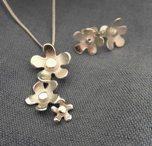 Flower Cluster Silver Pendant And Earrings