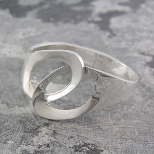 Interlocking Solid Silver Circles Bangle