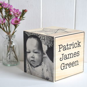 Newborn Baby Photo Memory Cube - gifts for new mums