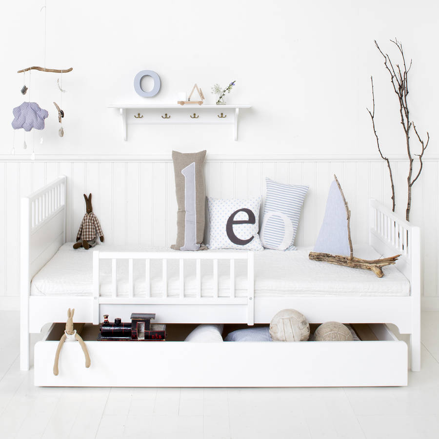 white wood scandinavian single bed by nubie modern kids boutique. Black Bedroom Furniture Sets. Home Design Ideas