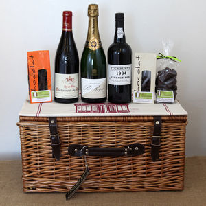 Drinks And Chocolates Hamper
