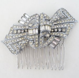 Antique Bow Hair Comb
