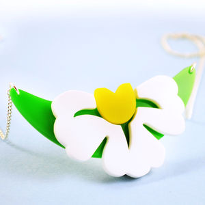 White Garden Flower Necklace - necklaces & pendants