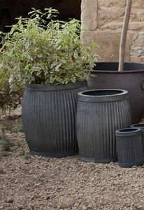 Set Of Two Round Planters