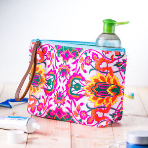 Neon Washbag With Leather Handle