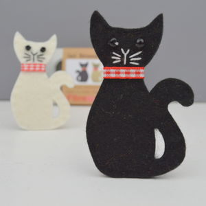 Cat Brooch Sewing Kit