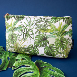 Leafy Monstera Make Up Bag - on trend: tropical