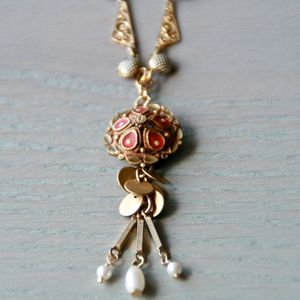 Delicate Ornate Victorian Enamelled Necklace