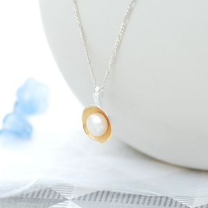 Oyster Pearl Necklace - 30th anniversary: pearl