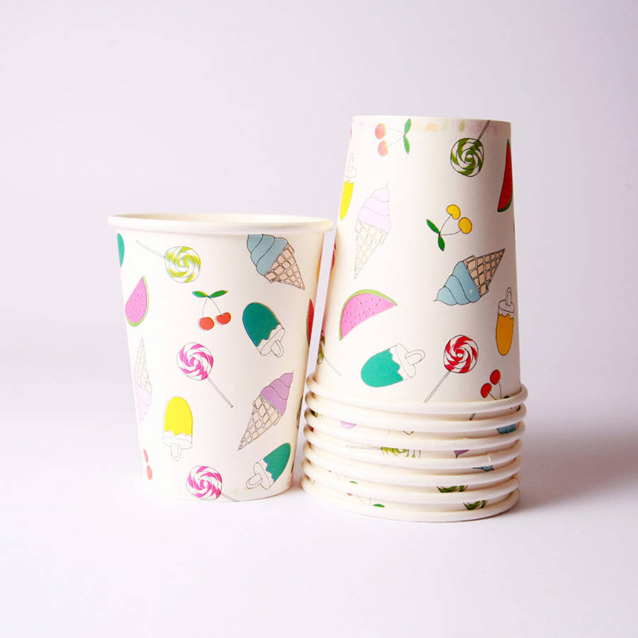 Eight Summer Time Paper Cups