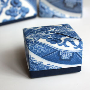 Willow Pattern Origami Box