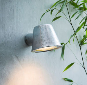 Mast Light - garden refresh