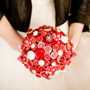 Polka Dot Button Bouquet - retro inspired wedding decorations