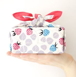 Strawberry Wrapping Cloth - lunch boxes & bags