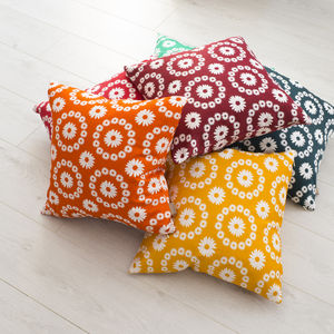 Daisy Print Cushion - bedroom