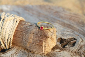 18ct Gold Ring With Ruby - july birthstone