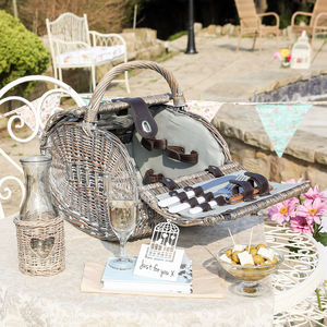 Two Person Picnic Hamper With Free Luxury Carafe - outdoor living