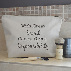 'With great beard comes great responsibility' Wash Bag - bathroom