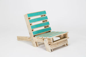 Pallet Chair With Colour