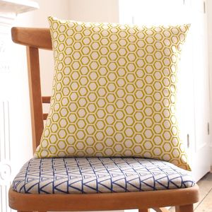 Cushion Honeycomb Print