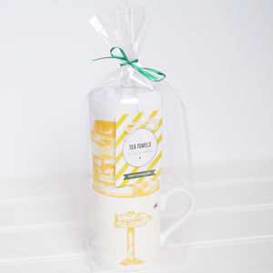 Ireland Signpost Mug And Tea Towel Gift Set