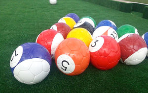 Snookball 16 Ball Football Set