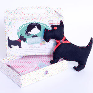 Felt Dog Sewing Kit In Black Stocking Filler - toys & games
