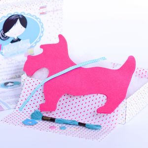Xmas Gift Girls Felt Dog Sewing Craft Kit In Pink