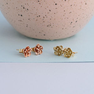 9ct Gold Flower Stud Earrings - earrings