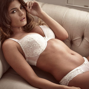 Amelia Plunge Bra And Briefs Set - wedding fashion