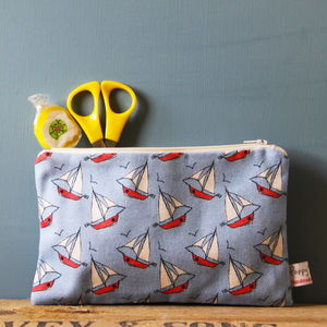 Boats Large Zipped Purse - make-up & wash bags