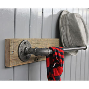 Industrial Wood Mounted Steel Pipe Bar - bathroom