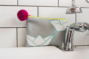 Small Paper Boats Purse/Pouch - bathroom