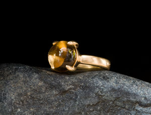 Citrine Cabochon 18 K Gold Ring - gemstones