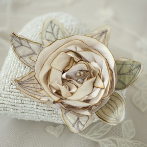 Silk Bridal Rose - pins & brooches