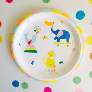 Silly Circus Large Party Plates Pack Of 12 - baby care