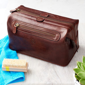 Men's Leather Wash Bag. 'The Duno L' - bathroom